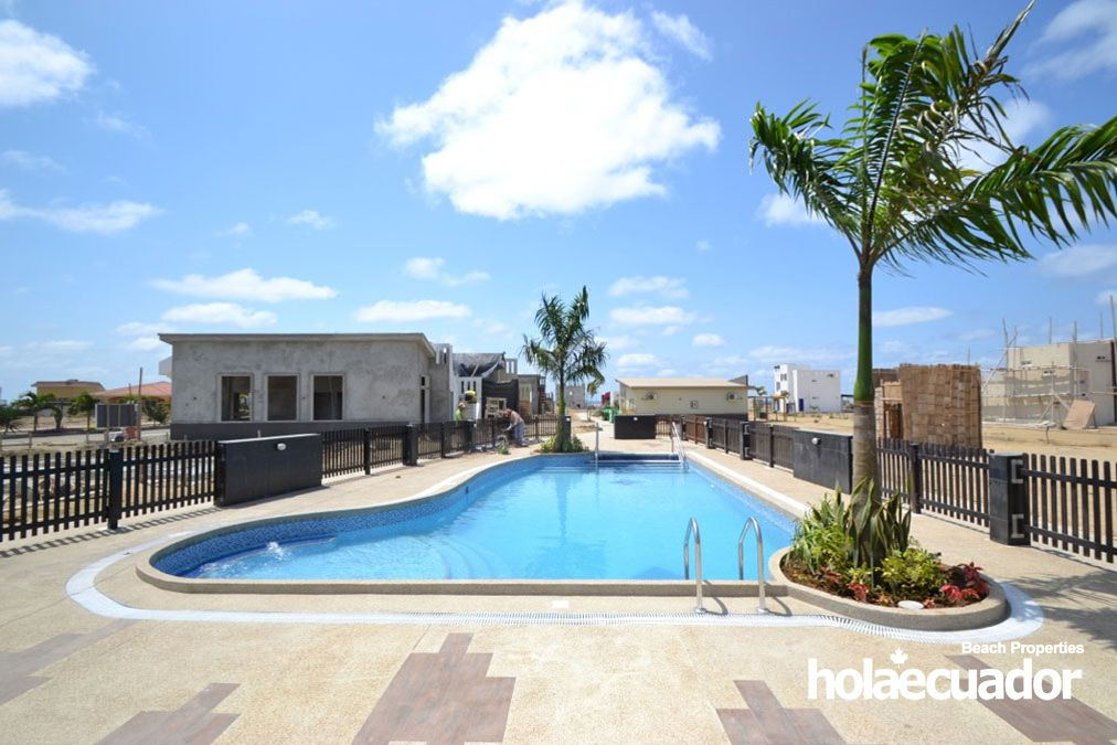 ecuador-homes_las-palmeras_pool2