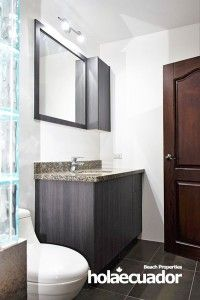 ecuador-home_custom-bathroom_b-33b-8_1