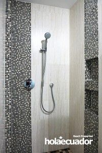 ecuador-home_custom-bathroom_b-33b-8_2