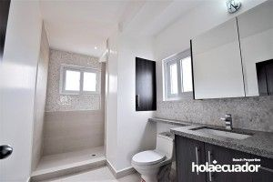 ecuador-home_custom_bathroom_c-40-1-2_4