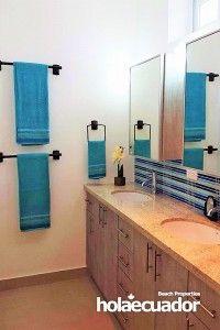 ecuador-houses_custom-bathroom_b-24b-7_1