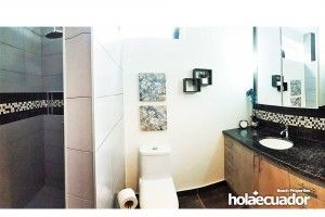 ecuador-houses_custom-bathroom_b-24b-7_3
