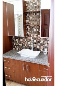 ecuador-houses_custom_bathroom_b-21b-15